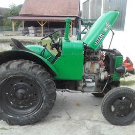 Entlacken von Traktoren vorher